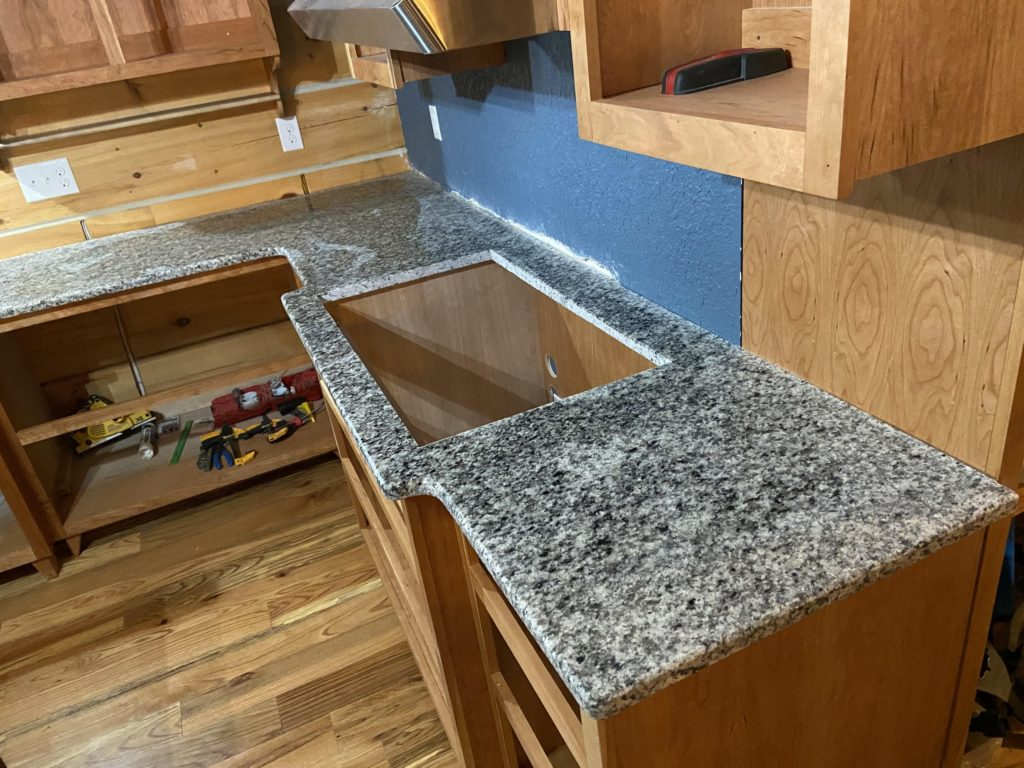 Valle Nevado Leathered Countertop